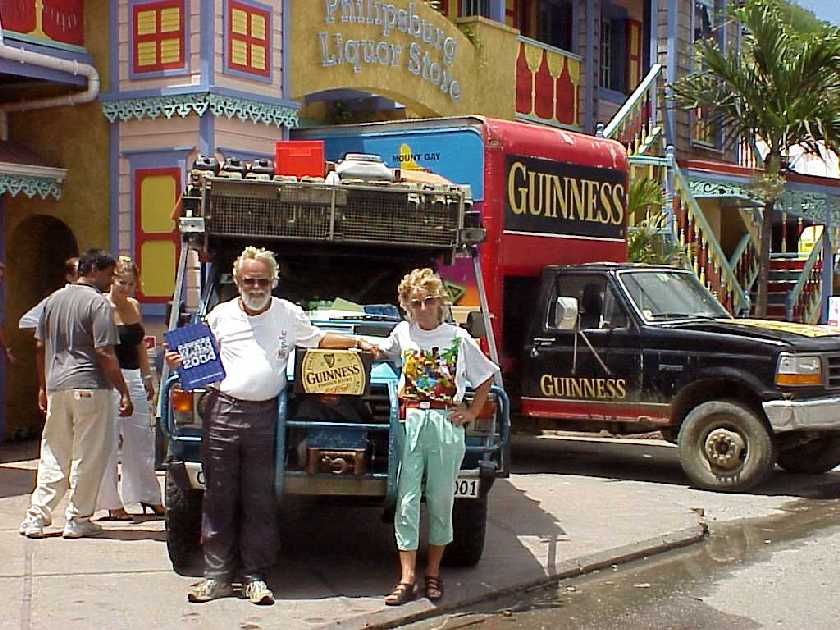 St Maarten/St Martin Beaches: Pinel Island, a picture ... |Saint Martin Island People
