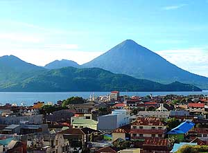 Tidore/North Moluccas/Indonesia: Kiematabu-Volcano 5'676 ft. [1'730m]