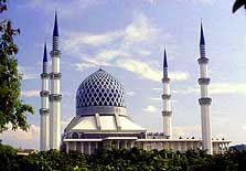 Malaysia: The four minarets of the 'Sultan Salahuddin' State Mosque in Shah Alam are visible already from far