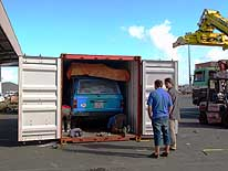 New Caledonia: Unstuffing of the container in the port of Noumea