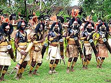 Papua New Guinea/Western Highlands/Mt. Hagen: Sing-Sing Group from Pimaga in the Southern Highlands at the Mount Hagen Cultural Show 2010