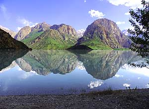 Tadjikistan/Iskander Kul: Lake reflection